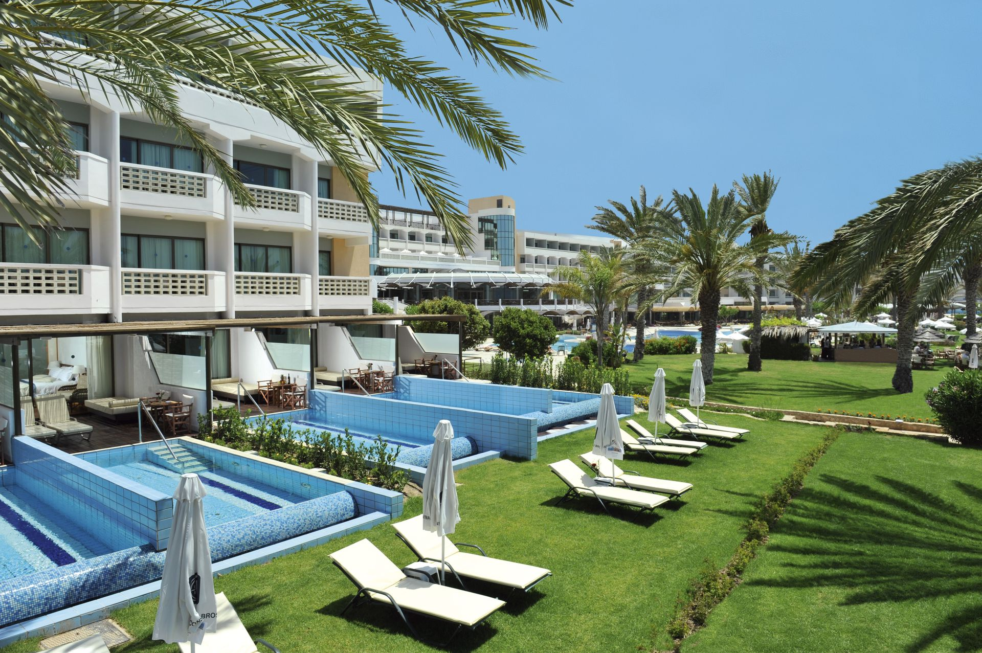 _athena beach hotel - junior suites with private pool_resized