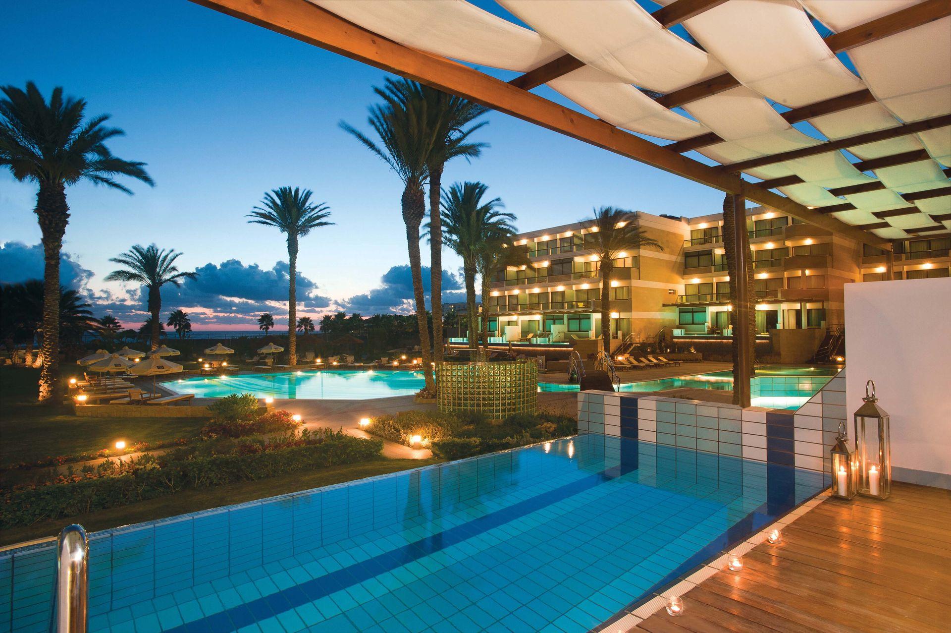 _06-asimina suites hotel-night pool_resized