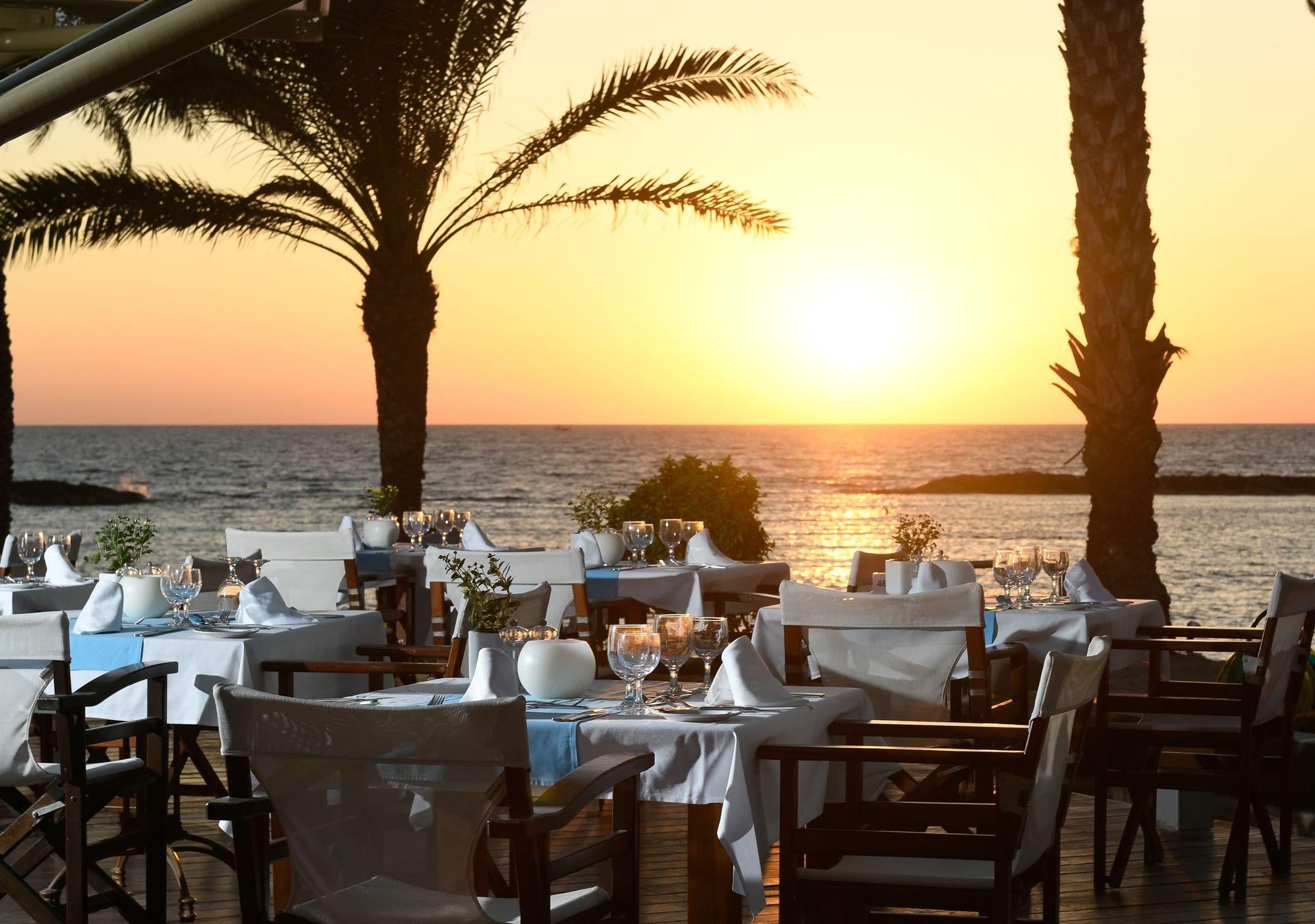 _13 pioneer beach hotel thalassa mediterranean restaurant 2_resized