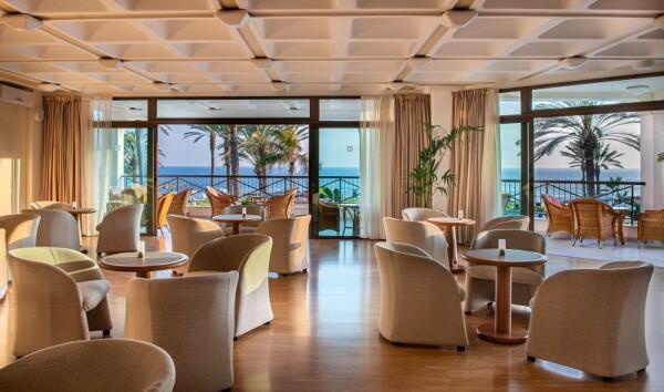 35.1 ATHENA BEACH HOTEL ATHOS LOUNGE BAR
