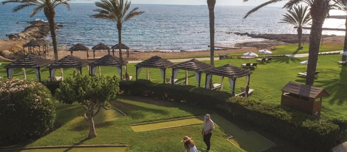 82 ATHENA BEACH HOTEL MINI GOLF